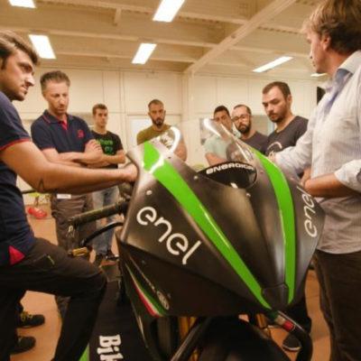 Energica addestra i meccanici dei team MotoE