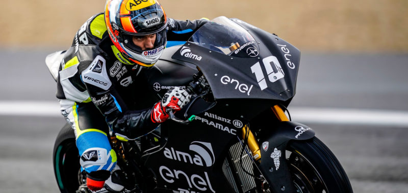 Third day of testing in Jerez, wind and wet track