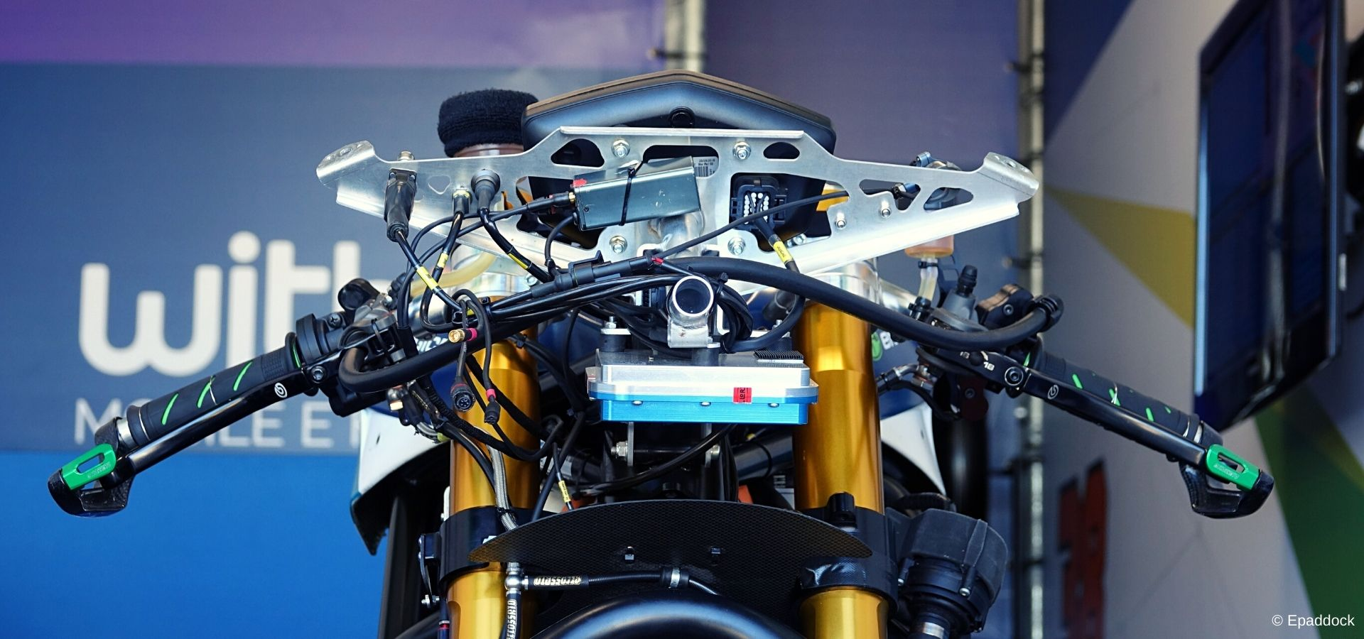 Know to improve: the data acquisition system of MotoE